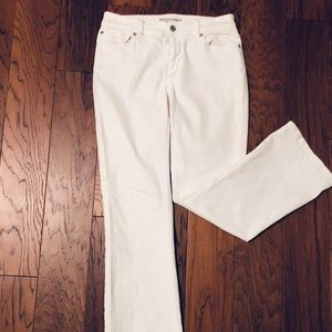 CHICOS- White Jeans Sz- .05 (small/6)